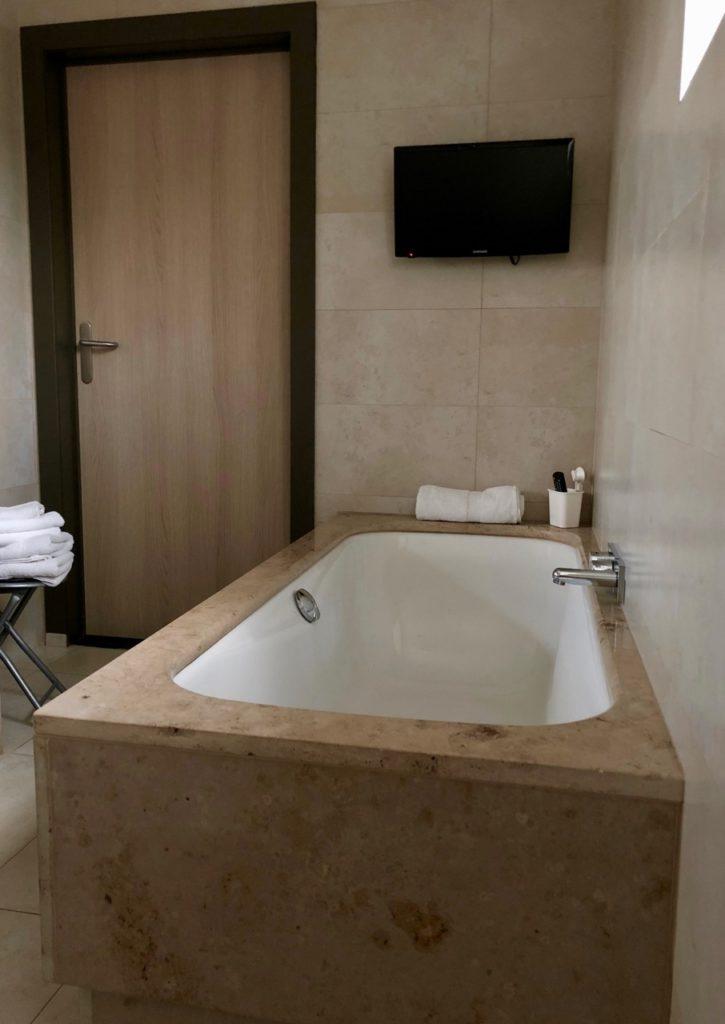 Thermes Dilbeek salle bains baignoire