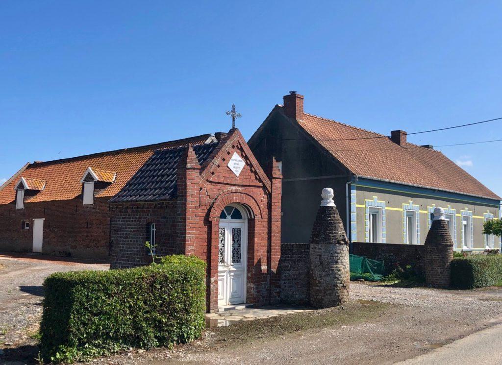 Vallee-Lys-maison-et-chapelle