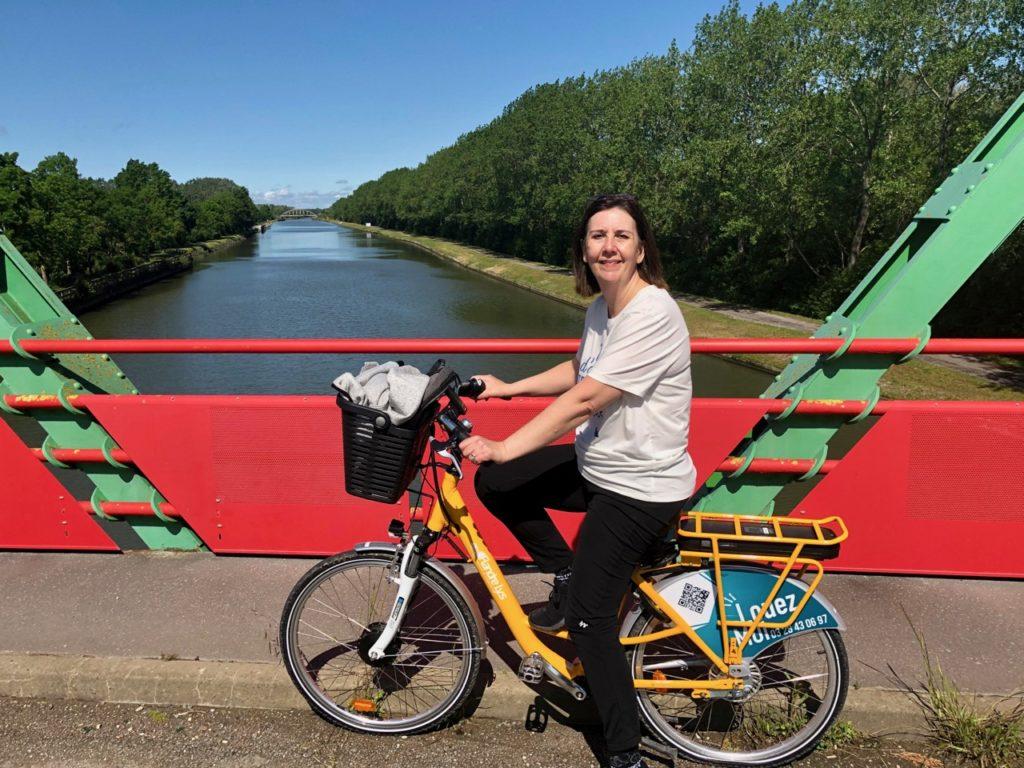 Vallee-de-la-Lys-a-velo-pont-rouge-et-vert