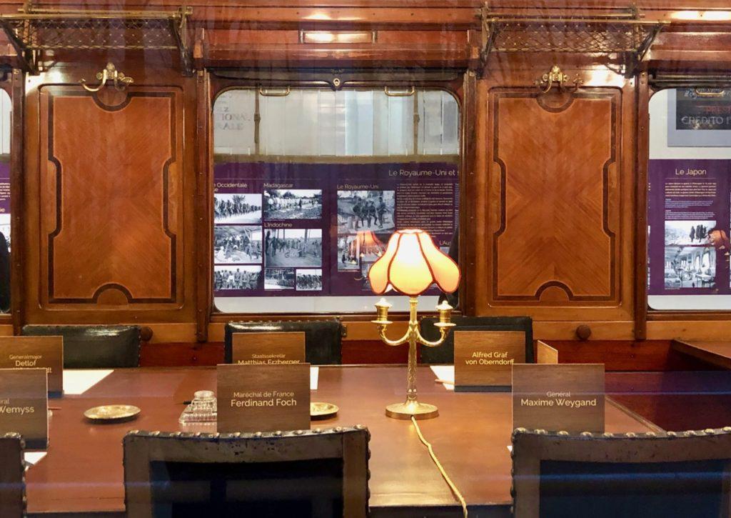 musee-memorial-armistice-wagon-interieur-salon
