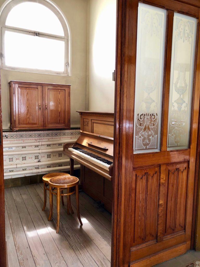 A-voir-a-Malines-Ursulines-piece-piano