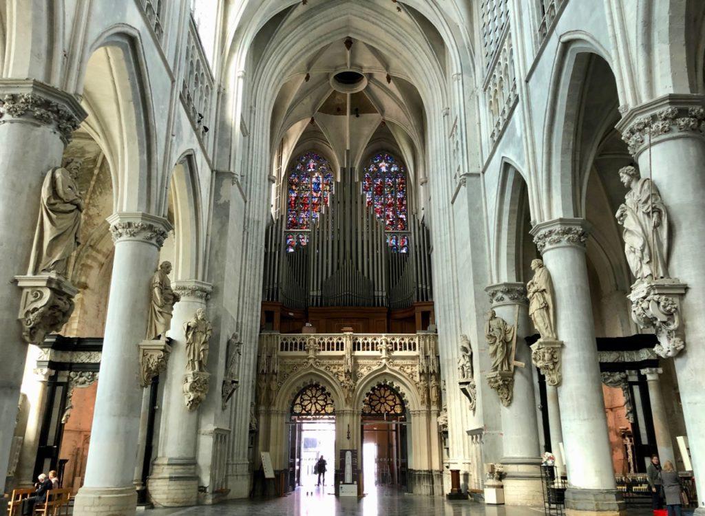 A-voir-a-Malines-cathedrale-interieur