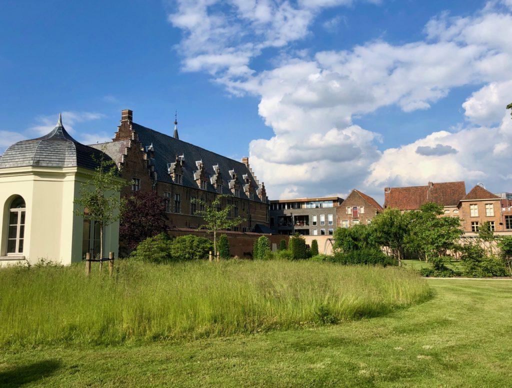 A-voir-a-Malines-jardin-silence-palais-archiepiscopal