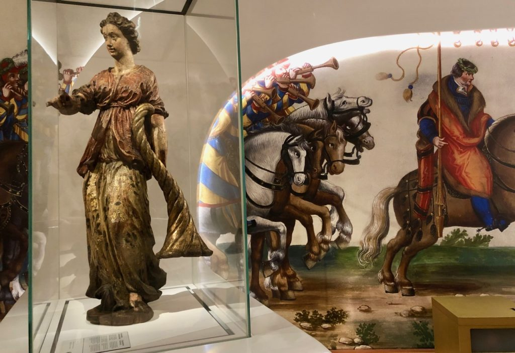A-voir-a-Malines-musee-Hof-van-Busleydenstatue