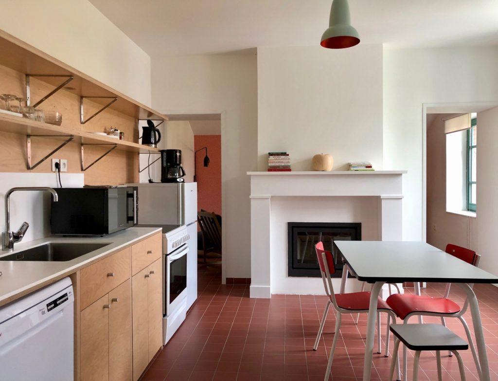 Bruay-Labuissiere-Cite-des-Electriciens-cuisine-gite-deux-personnes