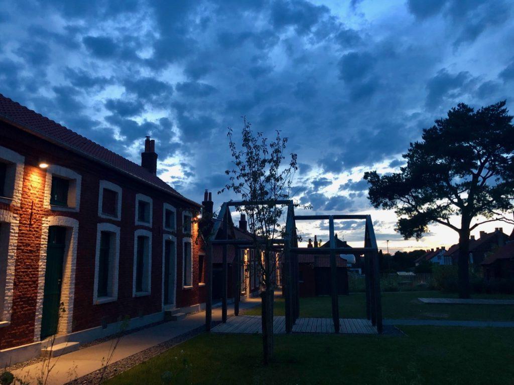 Bruay-Labuissiere-Cite-des-Electriciens-vue-nuit