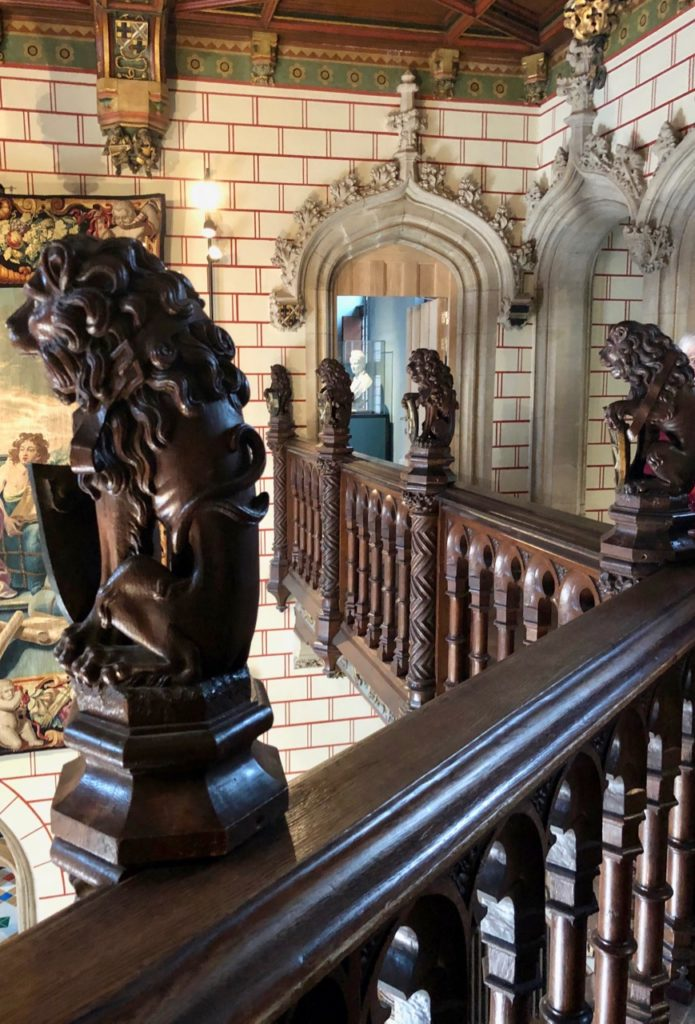 Bruges-musee-Gruuthus-lions-entree