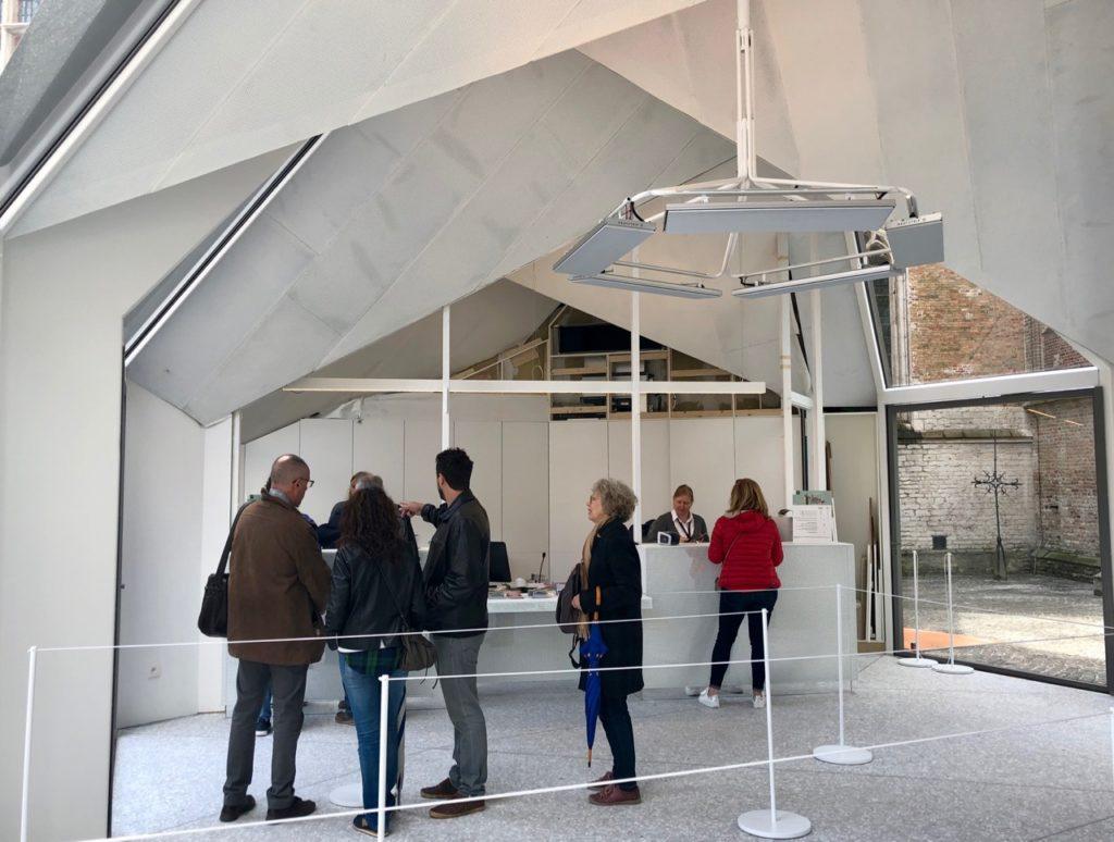 Bruges-musee-Gruuthus-pavillon-contemporain-accueil-billetterie
