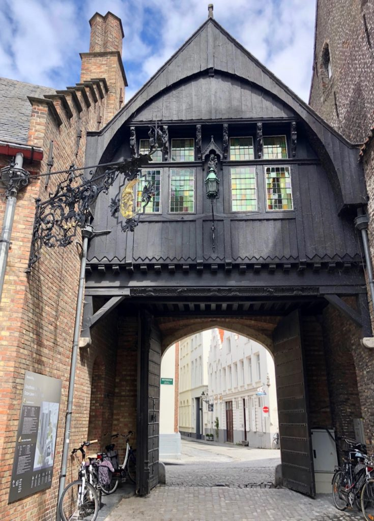 Bruges-musee-Gruuthus-porche
