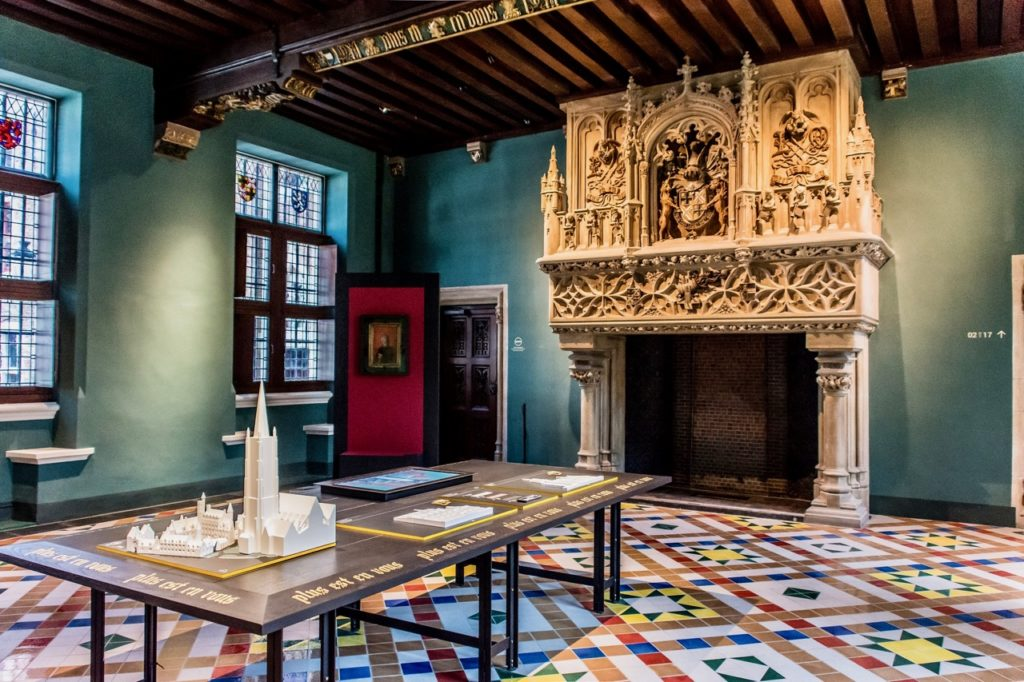 Bruges-musee-Gruuthus-premiere-salle-photo-sarah-bauwens