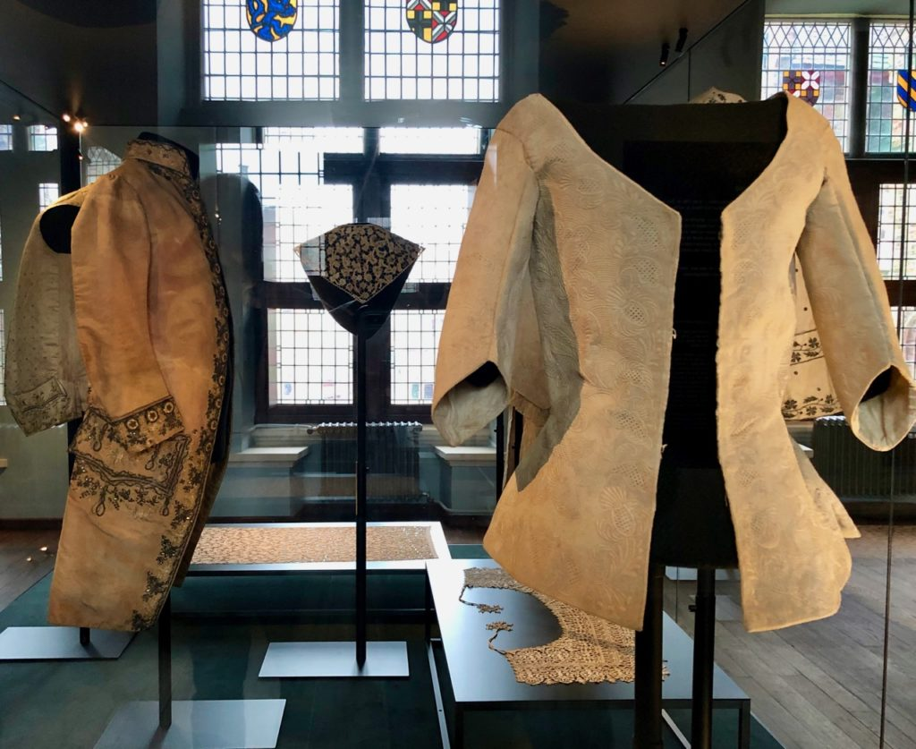 Bruges-musee-Gruuthus-vetements
