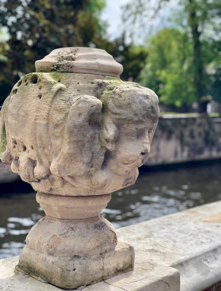Bruges-musee-Gruuthus-vue-canal
