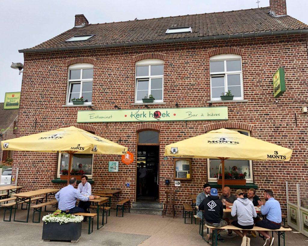Trois-estaminets-Het-Kerk-Hoek-Terdeghem-exterieur