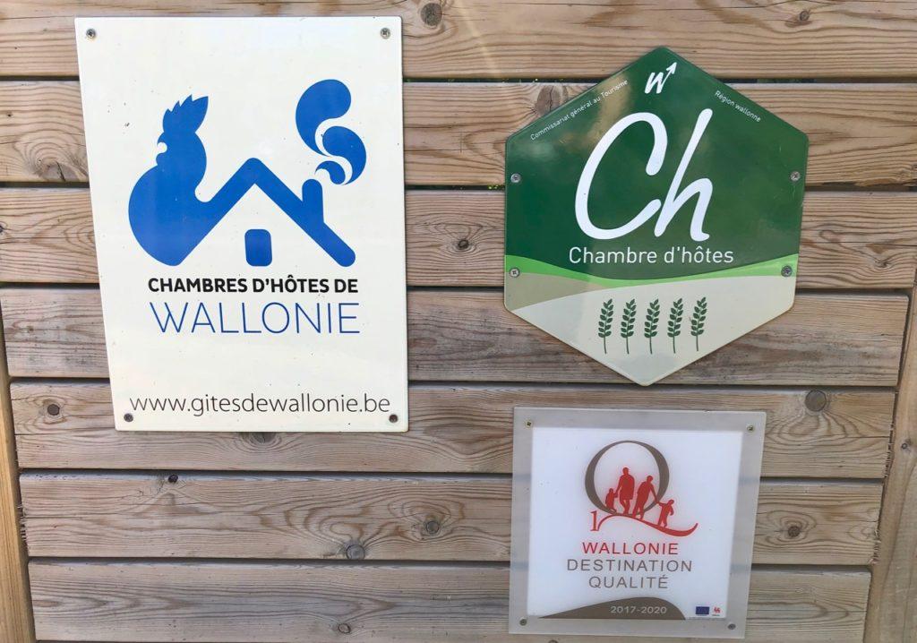 Ardennes-belges-La-Couette-de-l-ours-panneaux-entree