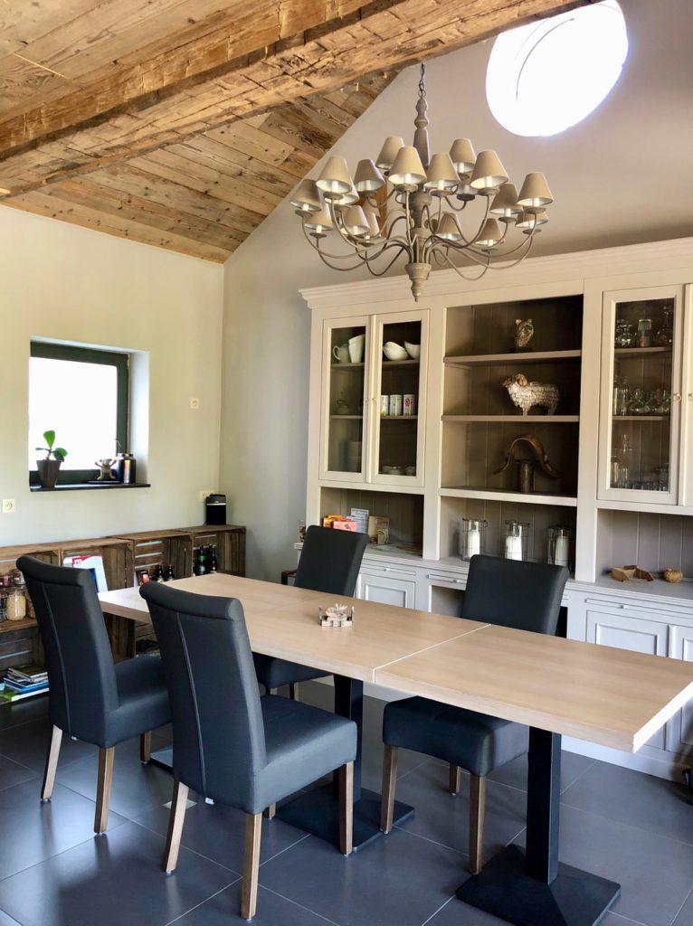 Ardennes-belges-La-Couette-de-l-ours-salle-petit-dejeuner