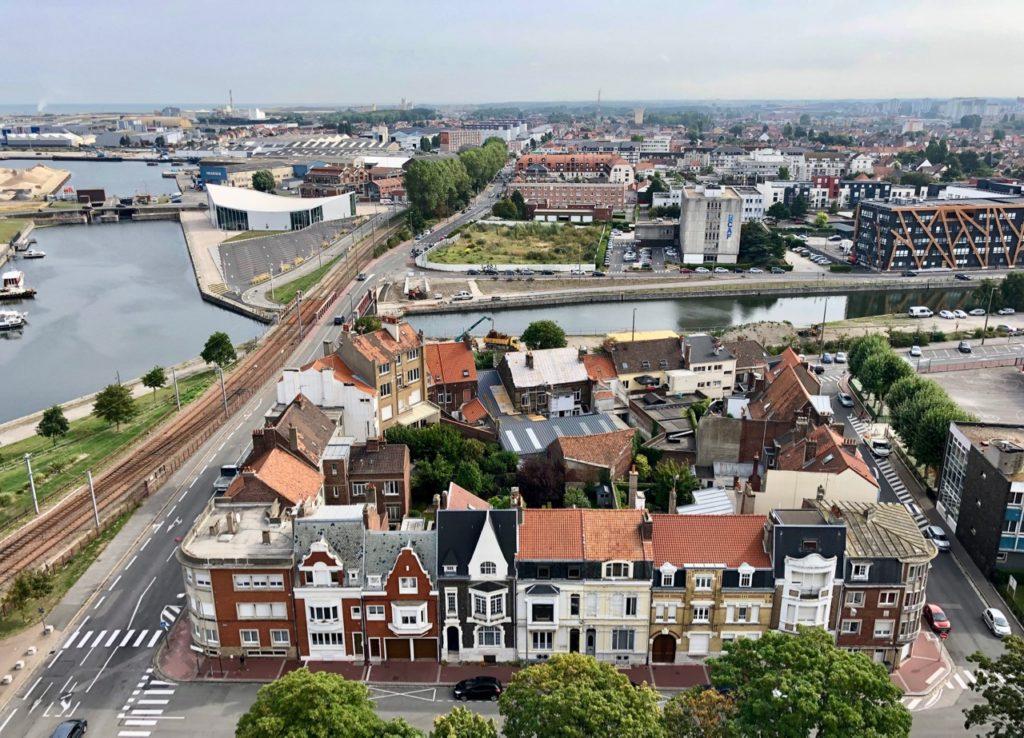 Calais-Hotel-de-ville-vue-haut-beffroi