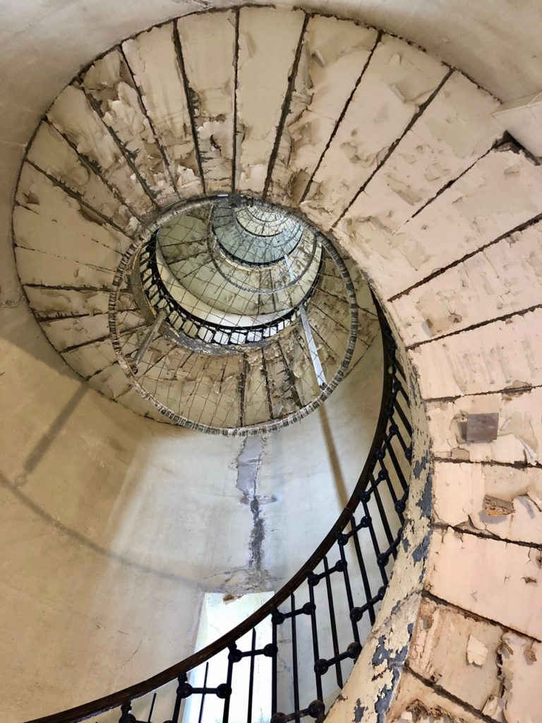 Calais-Phare-escalier