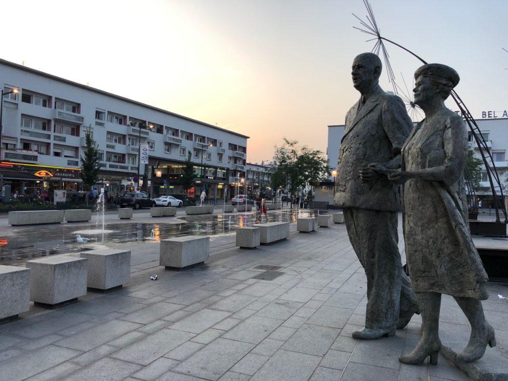 Calais-statue-Monsieur-et-Madame-de-Gaulle