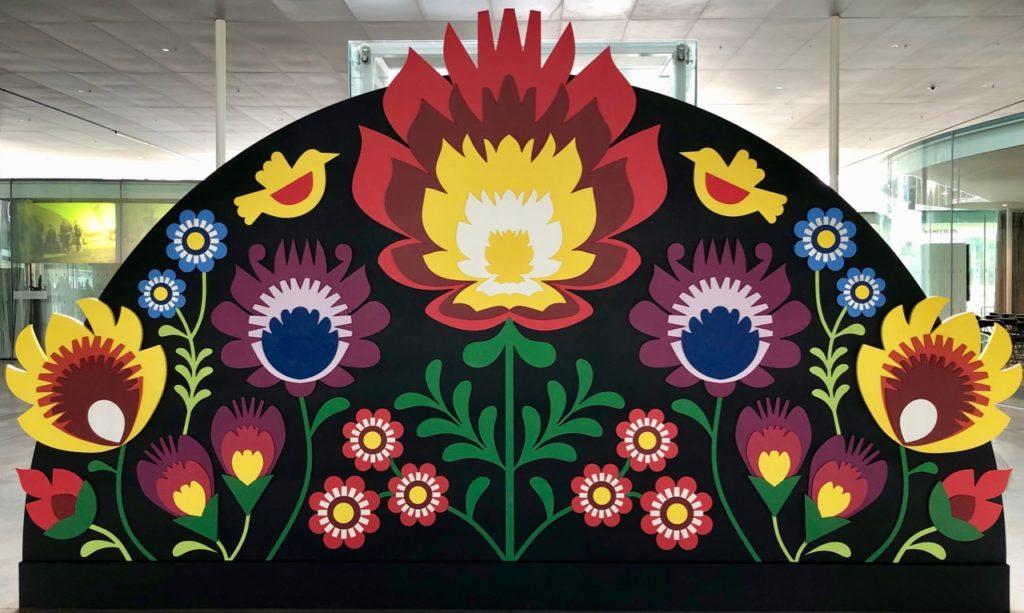 Expo-Pologne-Louvre-Lens-fresque-fleurs