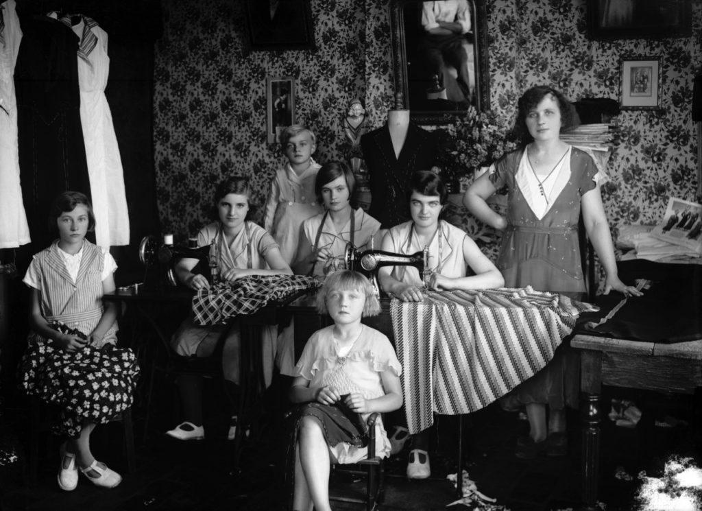 Salon_de_couture_-_Kasimir_ZGORECKI_-_1933_2002_Tirage_moderne_Frdric_Lefever_adagp__Frdric_Lefever