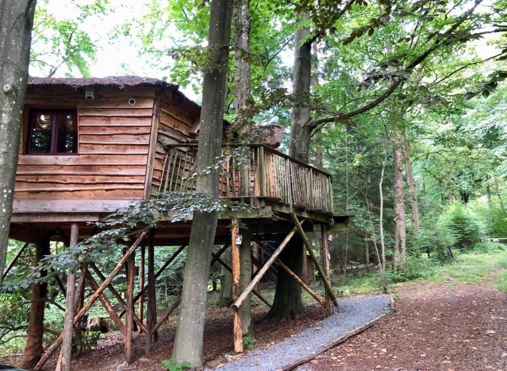 Spa-Le-Bois-Dormant-cabane-de-pres