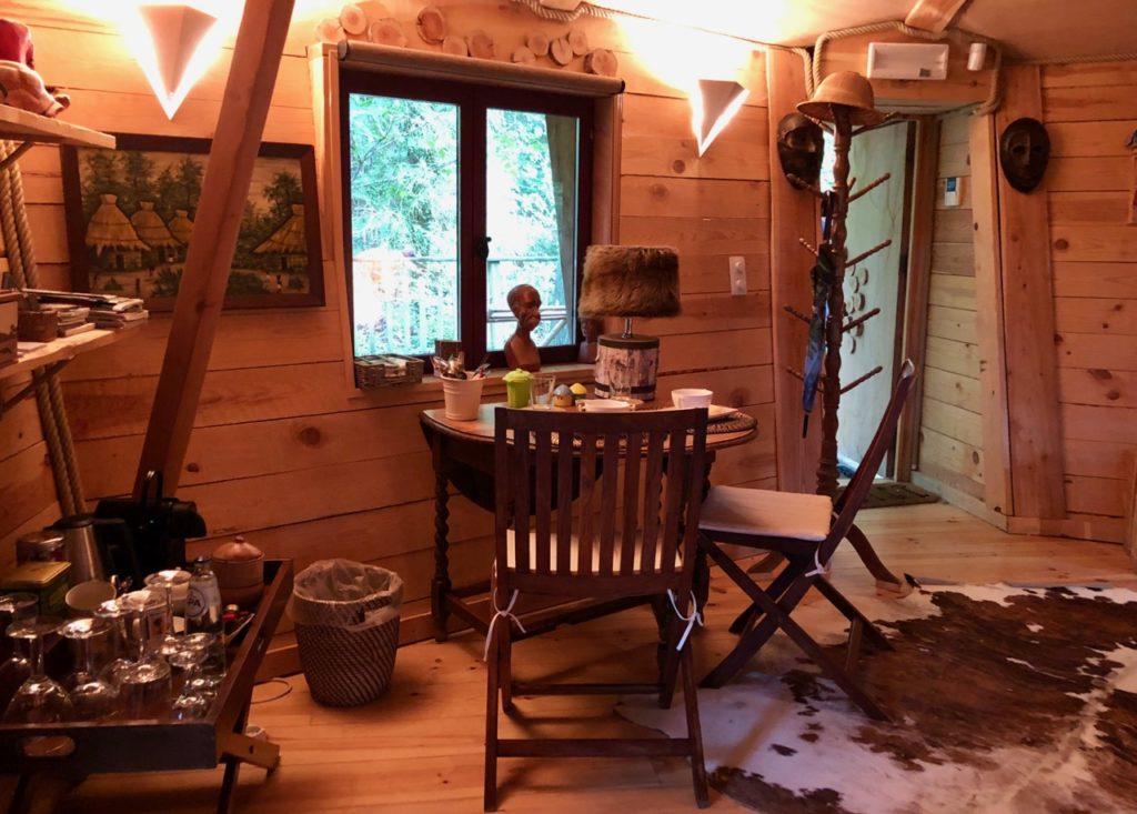 Spa-Le-Bois-Dormant-interieur-cabane