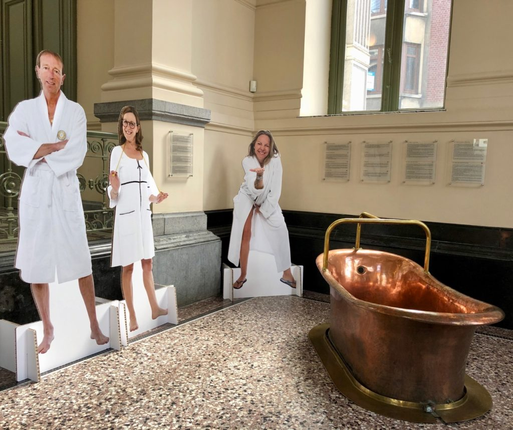 Spa-pouhon-Pierre-le-Grand-silhouettes-et-baignoire