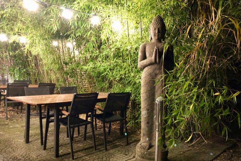 Dar-El-Siam-Mouscron-exterieur-bambous-statue