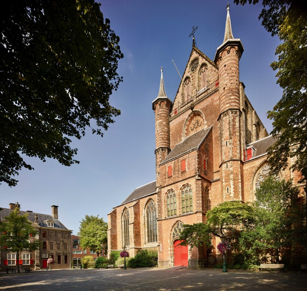 Leiden-Pieterskerk-by-Kees-Hummel