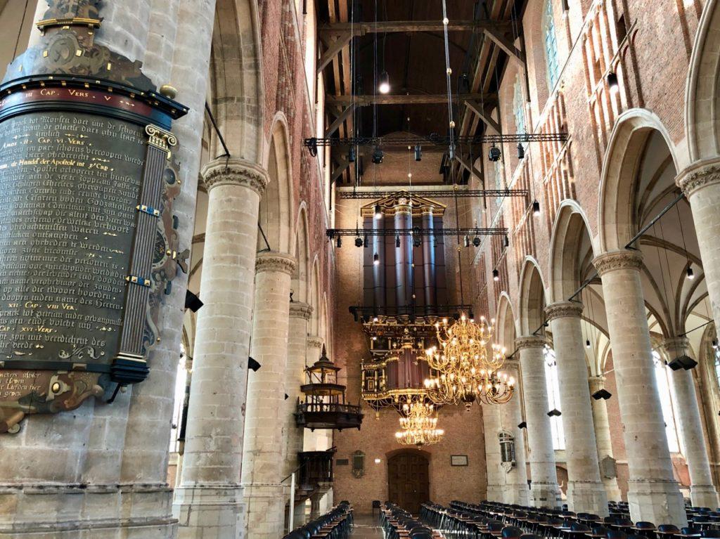 Leyde-Pieterskerk-interieur