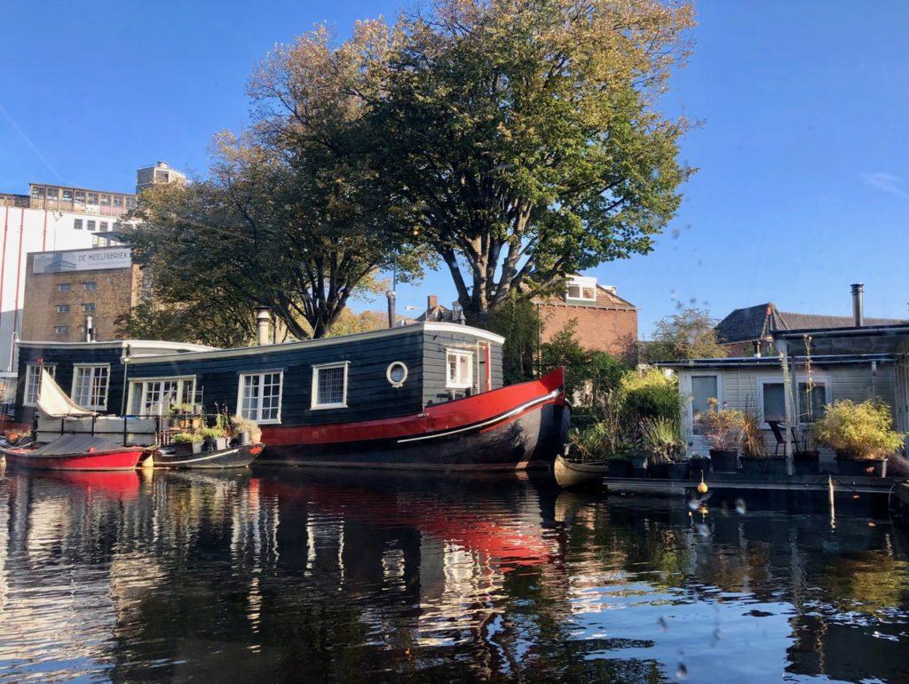 Leyde-maison-bateau