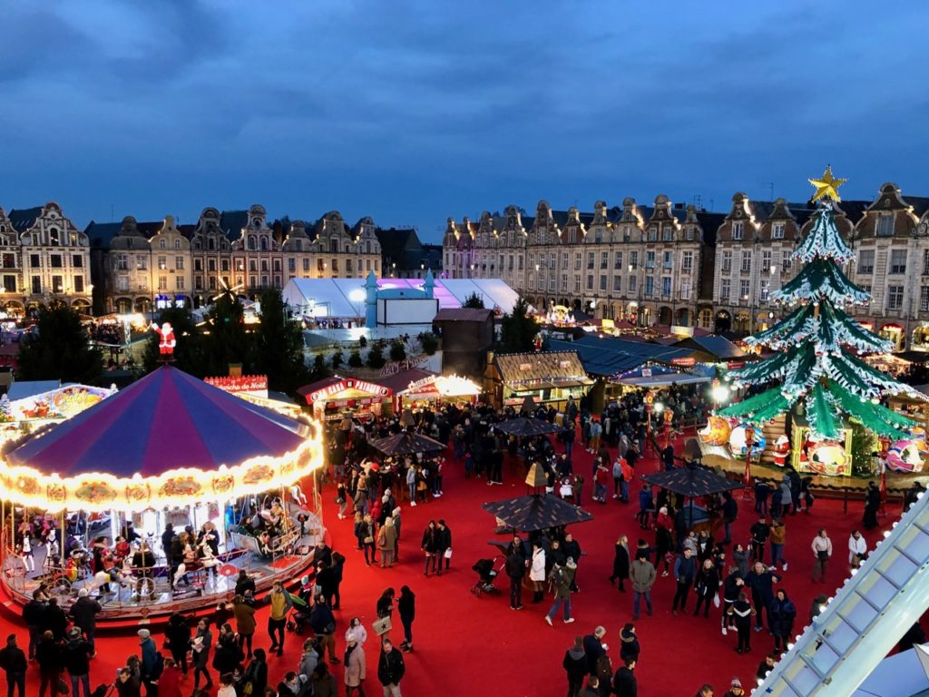 Arras-marche-de-Noel-carrousel-premier-plan