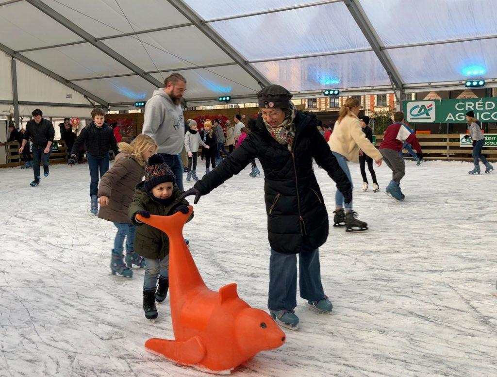 Arras-marche-de-Noel-patinoire