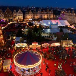 Arras-marche-de-Noel-place-de-nuit