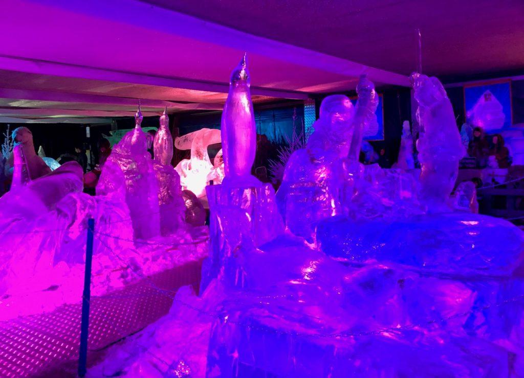 Arras-marche-de-Noel-sculptures-glace-rosees