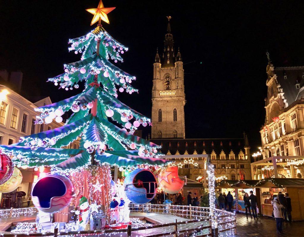 Gand-Marche-de-Noel-manege-sapin