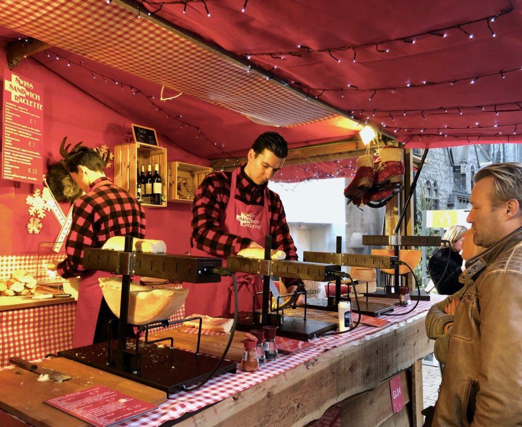 Gand-Marche-de-Noel-stand-raclette