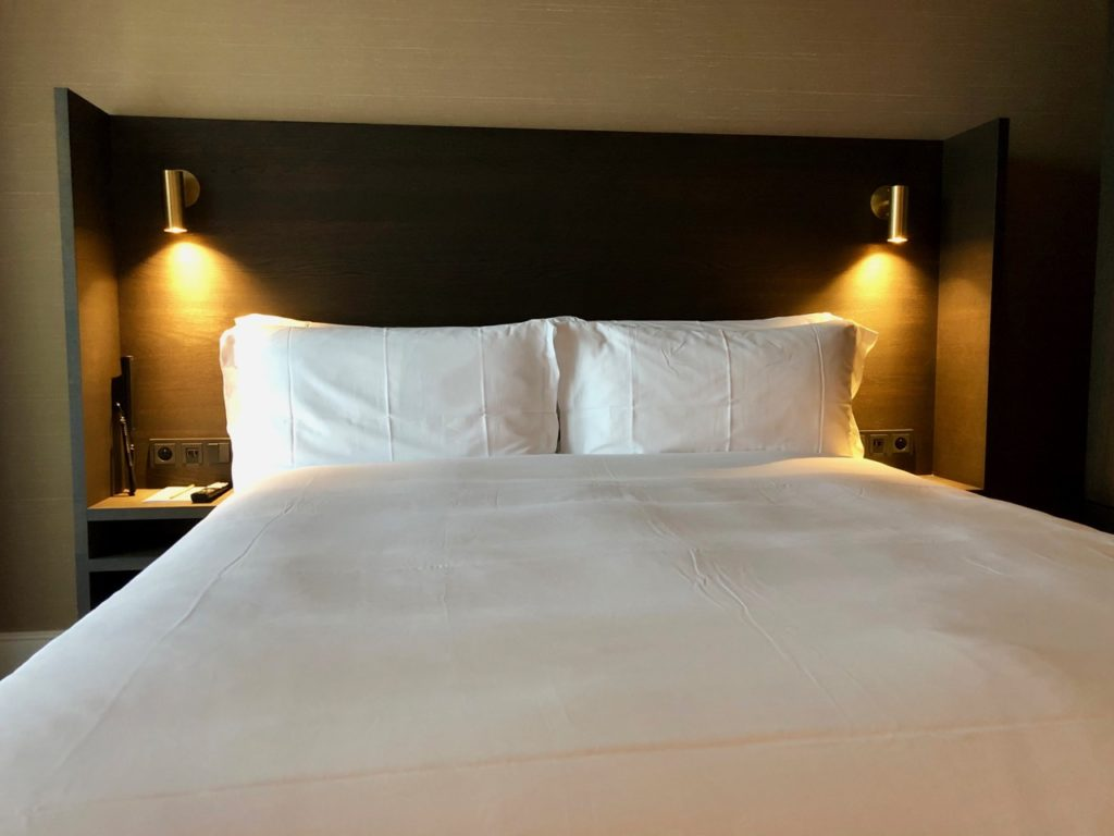 Gand-bonnes-adresses-Pillows-Grand-Hotel-Reylof-chambre