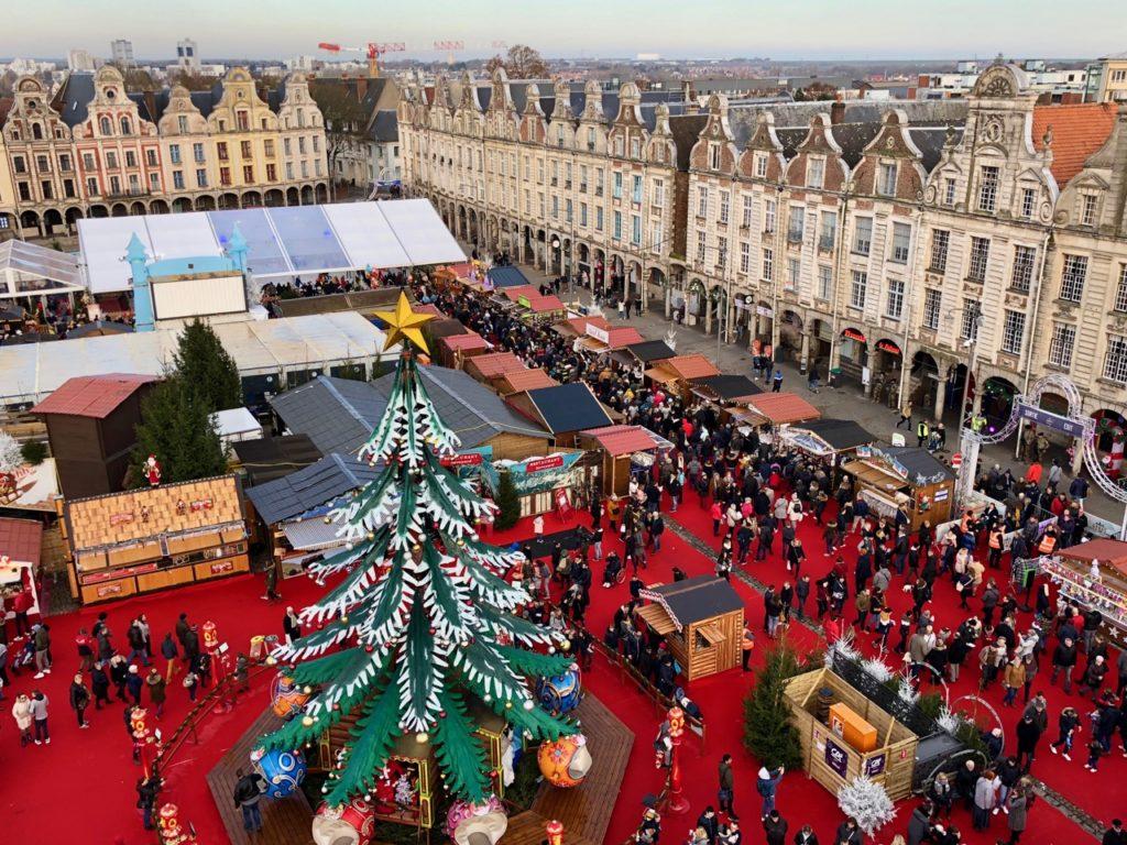 Arras-marche-de-Noel-vue-ensemble