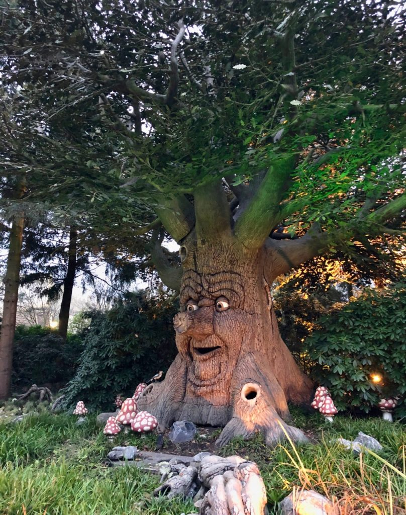 Parc-Efteling-arbre-qui-parle