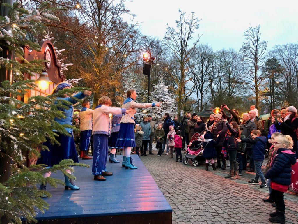Parc-Efteling-spectacle-podium