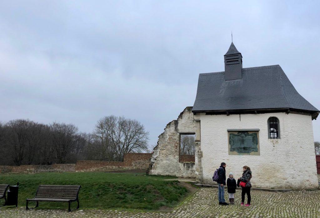 Memorial-Napoleon-Waterloo-ferme-hougoumont-exterieur