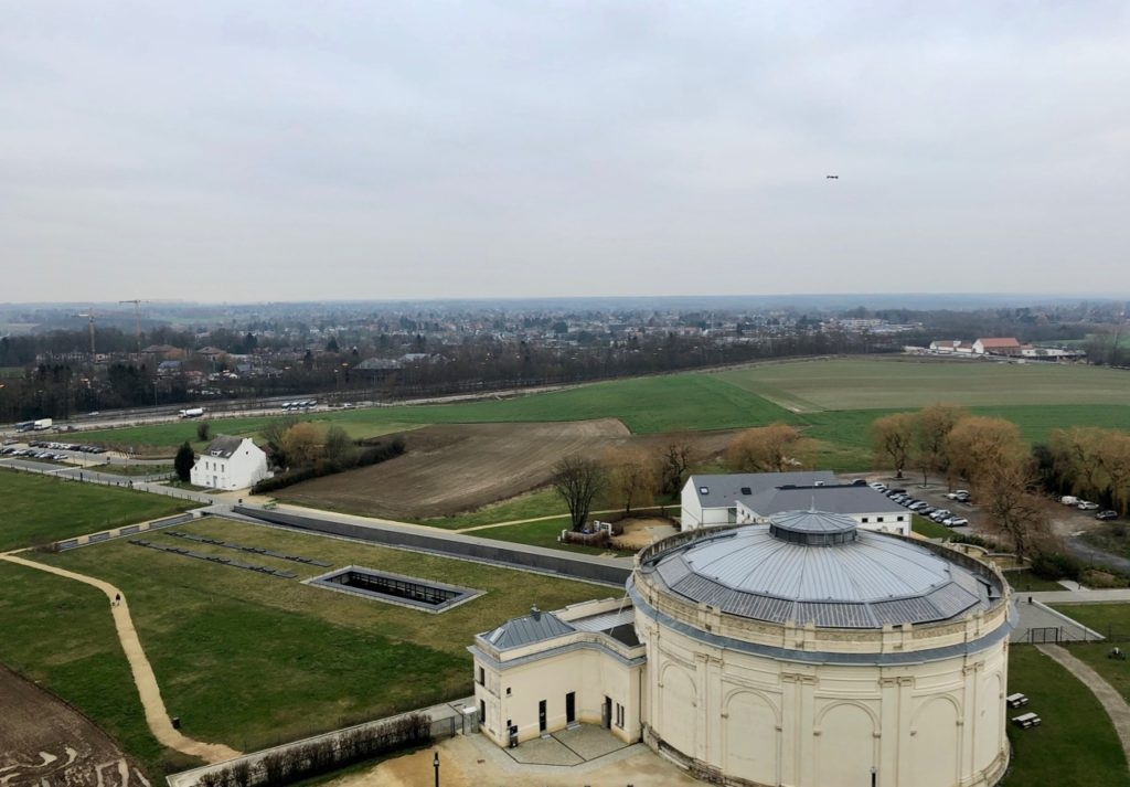 Memorial-Napoleon-butte-lion-vue-sommet