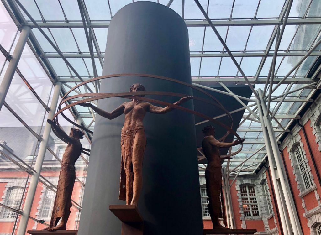 Royal-hainaut-valenciennes-bar-sculptures