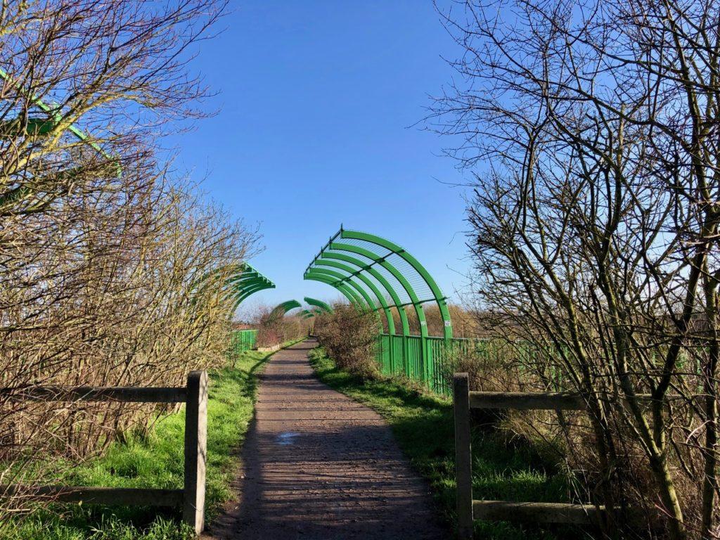 Terrils-jumeaux-Loos-en-Gohelle-passerelle-verte