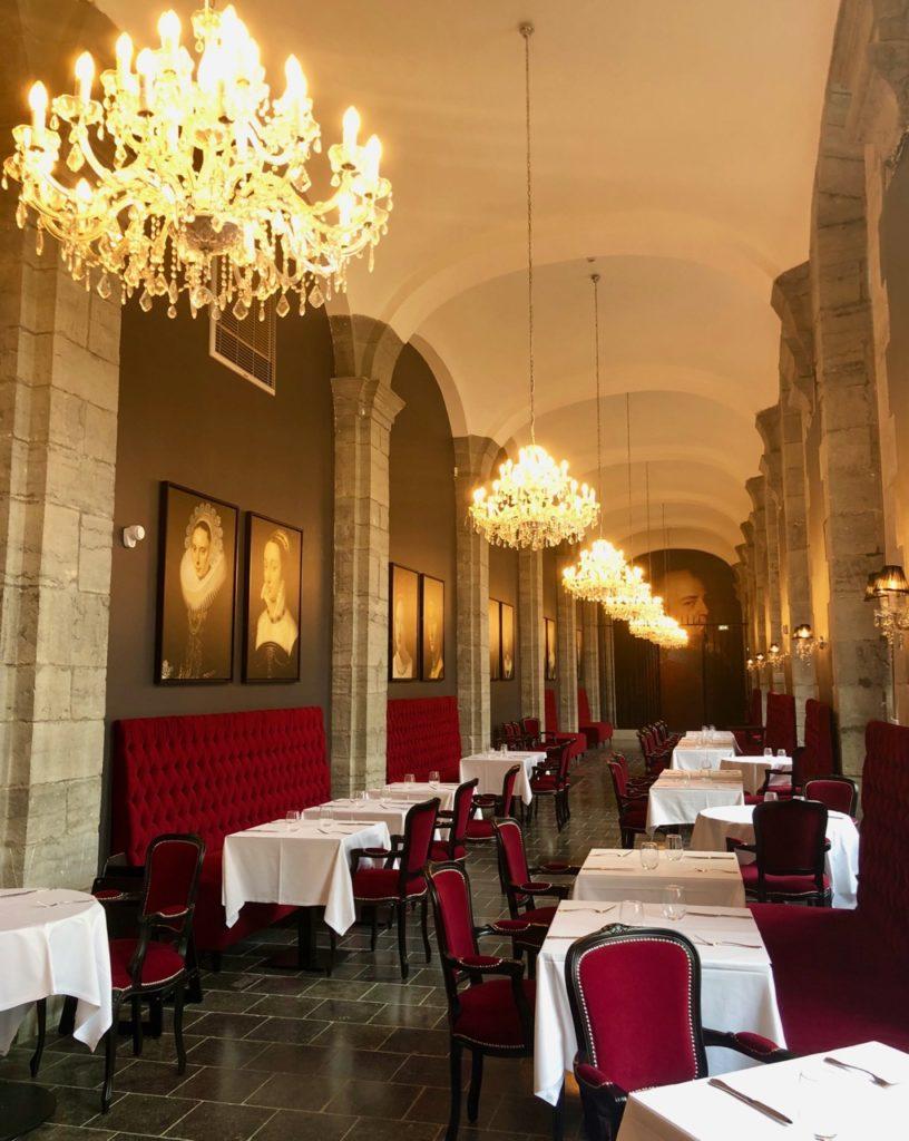 royal-hainaut-valenciennes-brasserie-la-galerie-longue-galerie