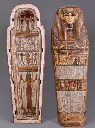 Boulogne-sur-Mer-a-l-abri-chateau-musee-sarcophage