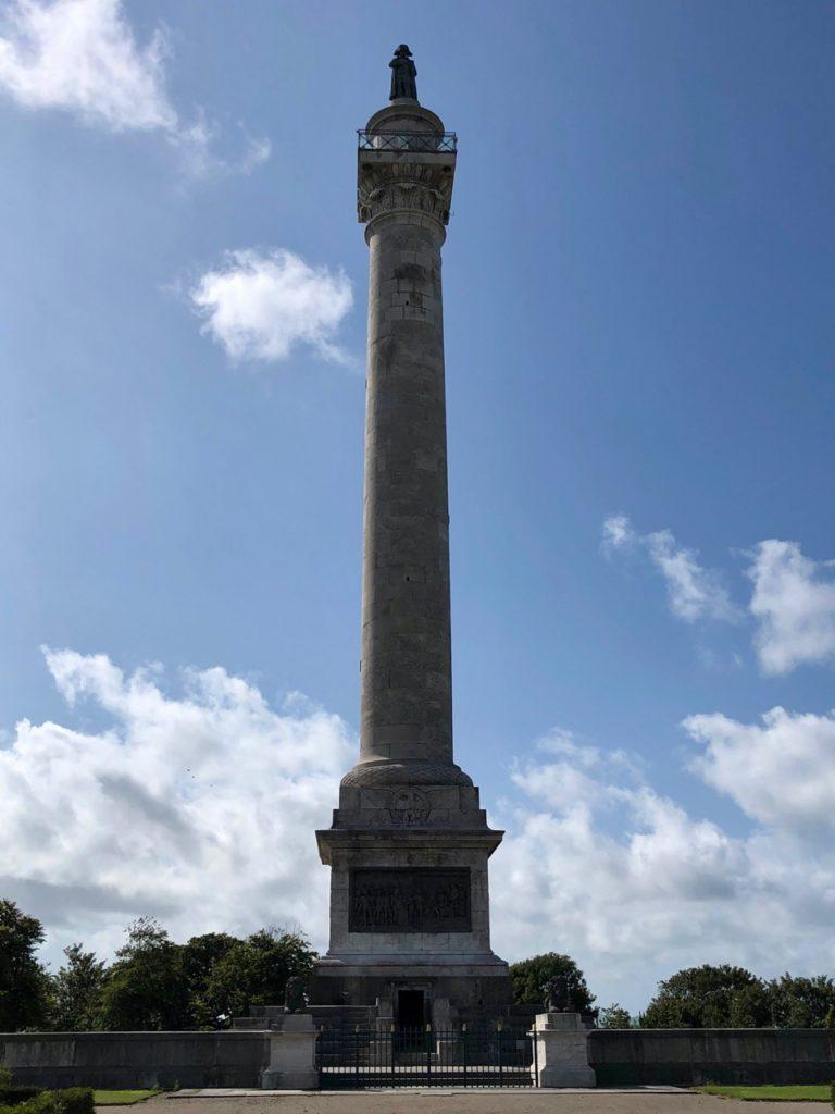 Boulogne-sur-Mer-en-plein-air-colonne-Napoleon--vue-de-loin