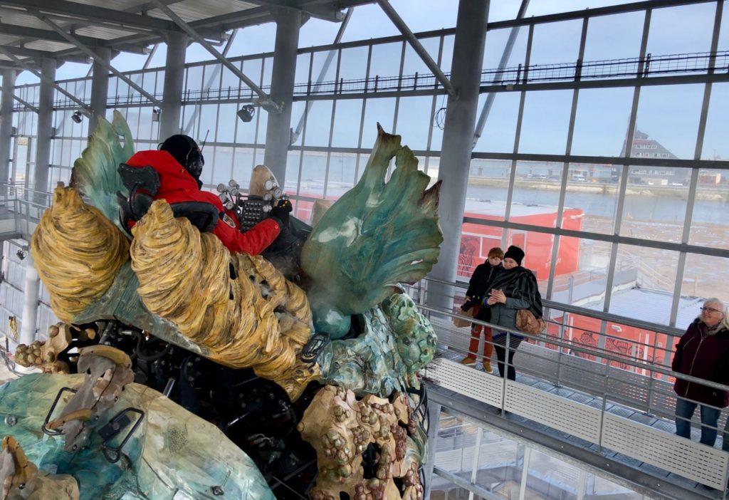 Calais-Dragon-abri-avec-passerelle
