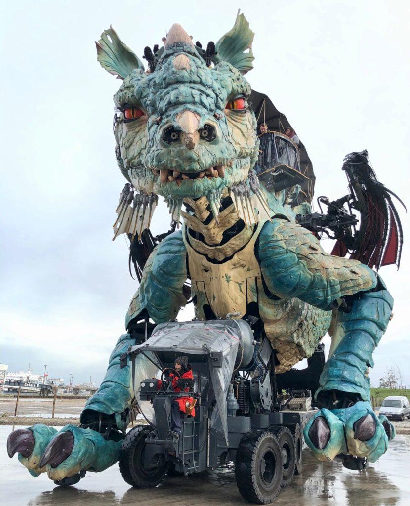 Calais-Dragon-de-face